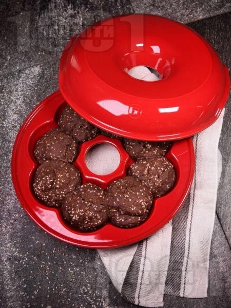 Лесни малки содени питки с ленено брашно и сусам за закуска - снимка на рецептата